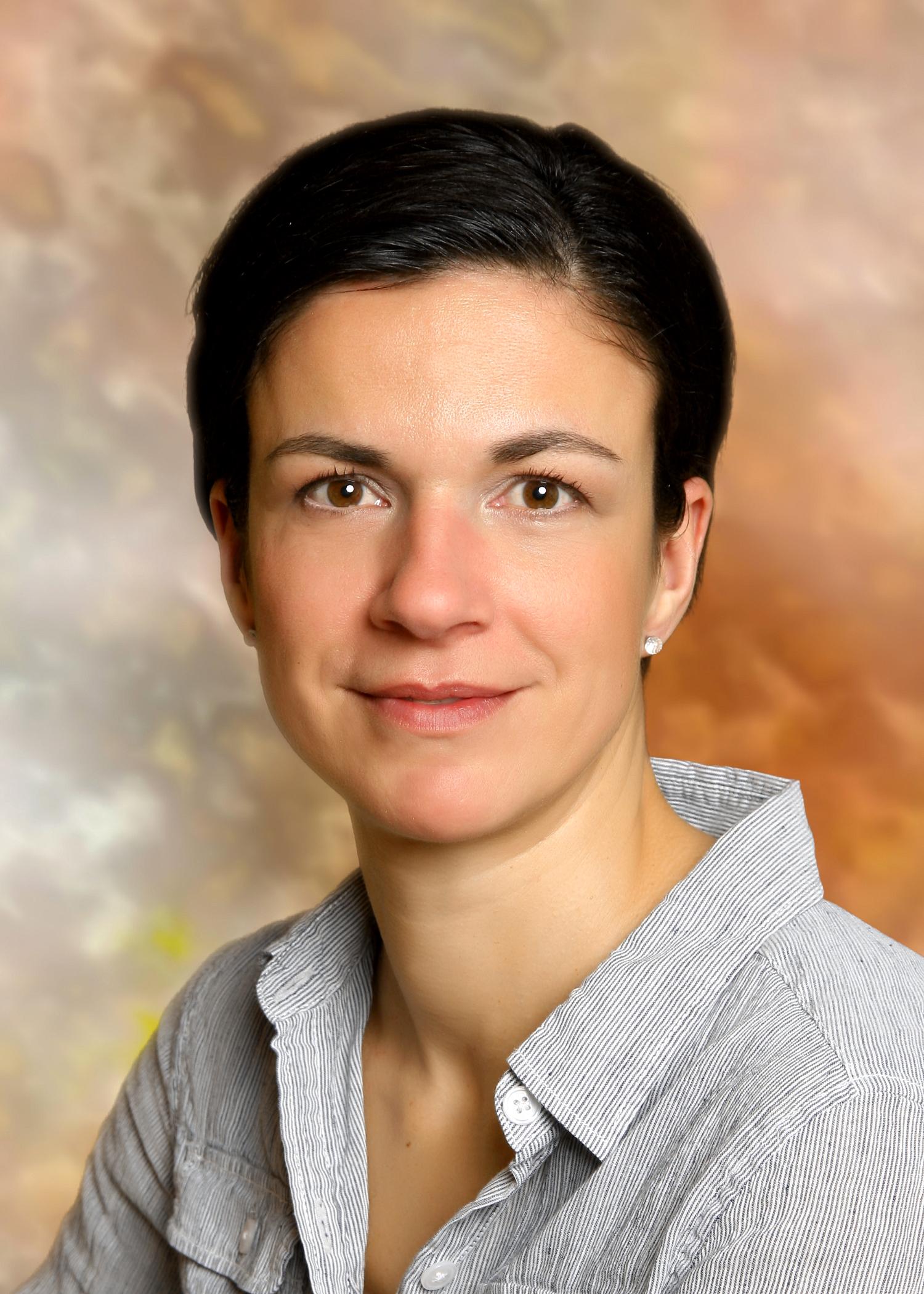 Dr. Aschenbrenner Zsuzsanna